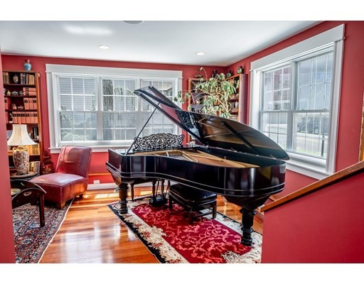103 Beacon Street, Somerville, MA 02143