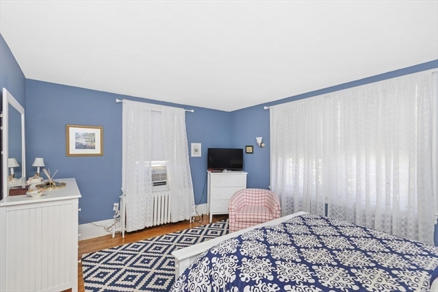 198 Metropolitan Avenue Boston MA 02131