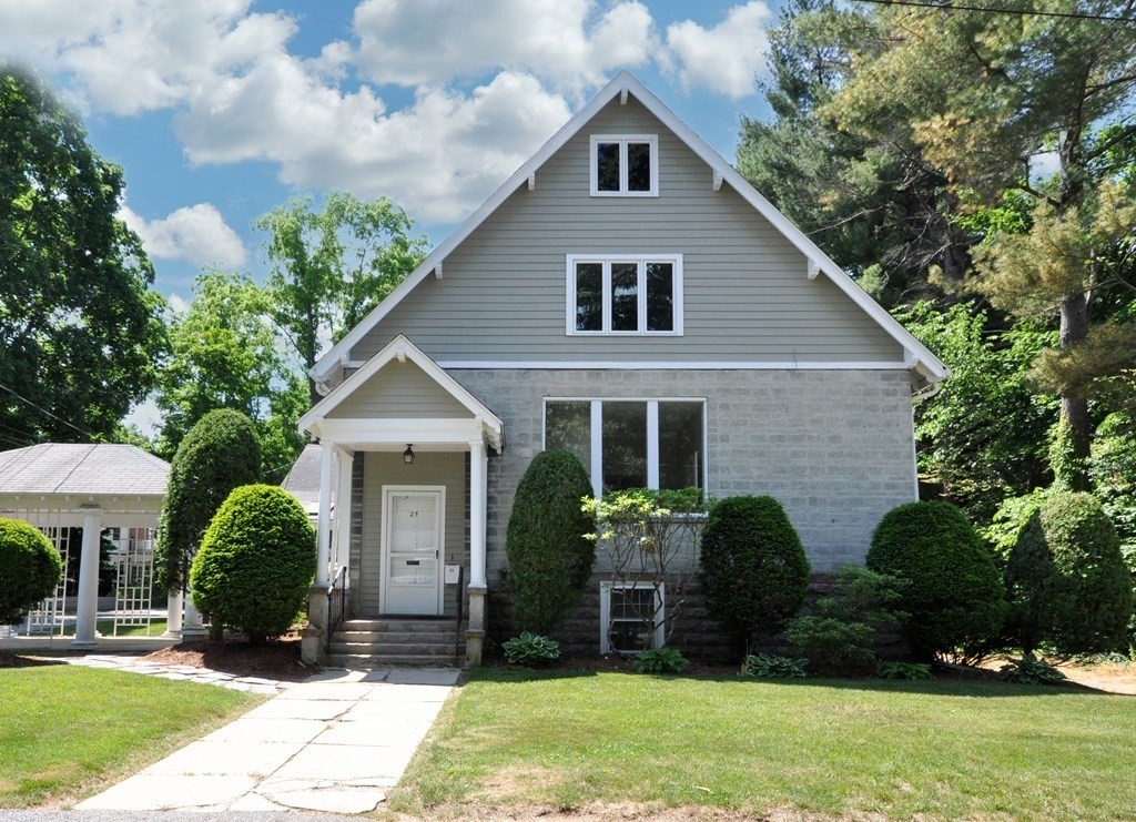 23-25 Lang St, Concord, MA 01742