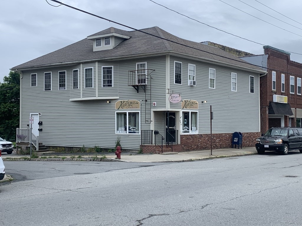 Hard to find Fairhaven mixed use property offers easy access to the highways. Apartment complex being developed across the street. Long term tenancy and ownership. Run your business and reside upstairs.