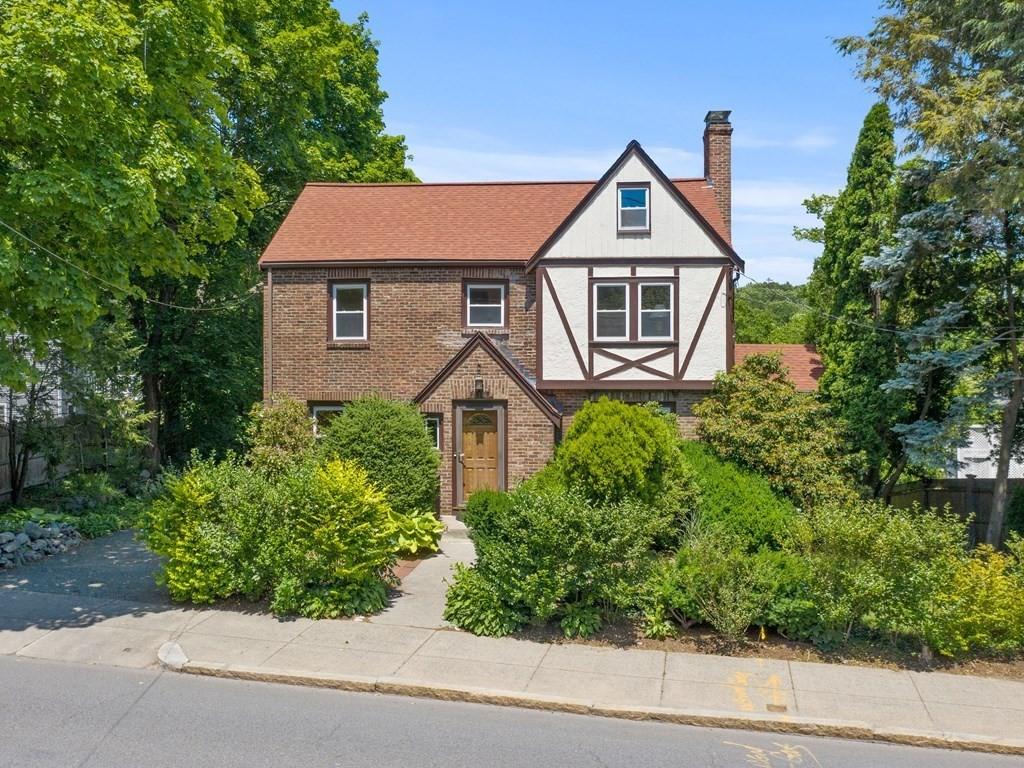 419 Pond St, Boston, MA 02130