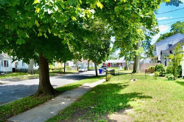 119-121 Merida Street Springfield MA 01104