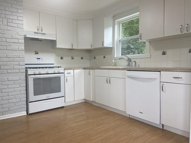28 Arthur Woods Avenue Burlington MA 1803