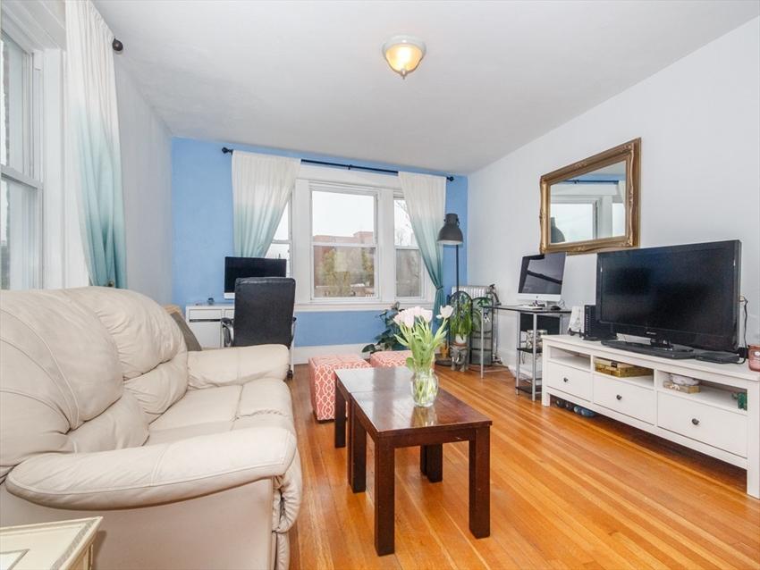 1607 Commonwealth Ave, Boston, MA Image 4