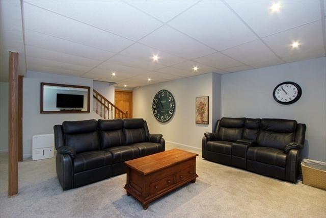 60 Sherwood Lane Lakeville MA 02347