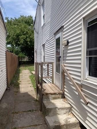 63 Pine Street Holyoke MA 01040