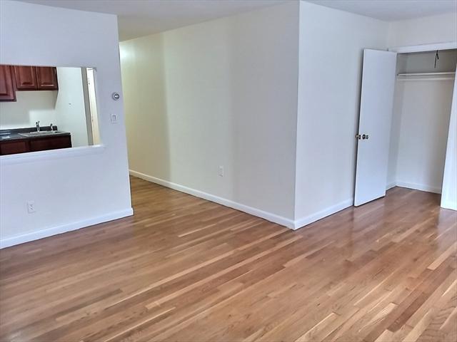 1039 Commonwealth Avenue Boston MA 02215