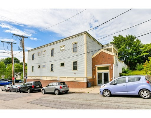 1 Bed, 1 Bath home in Boston for $323,000