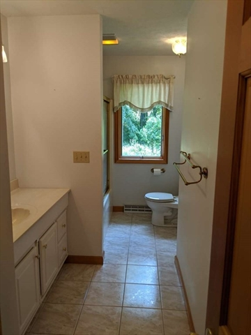 142 Oak Knoll Circle Ludlow MA 01056
