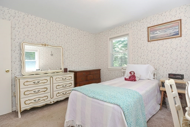18 Peabody Road Shirley MA 01464