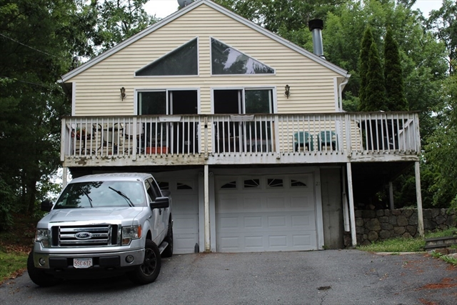 21 Lakeview Avenue Dudley MA 01571