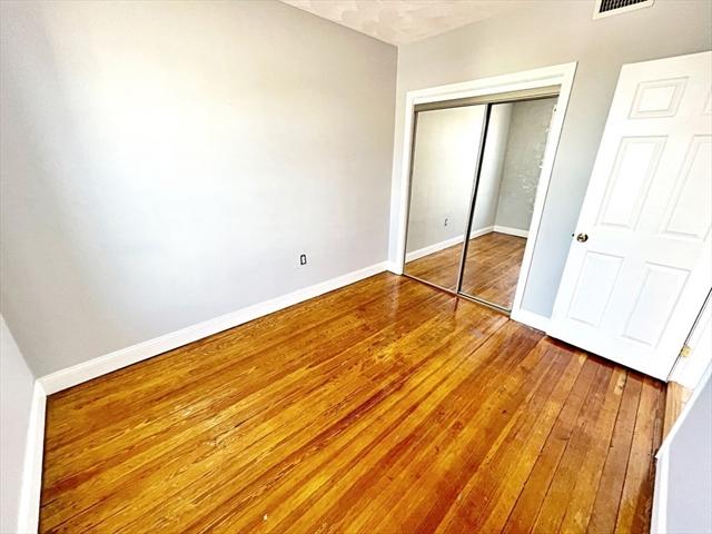 476 Saratoga Street Boston MA 02128