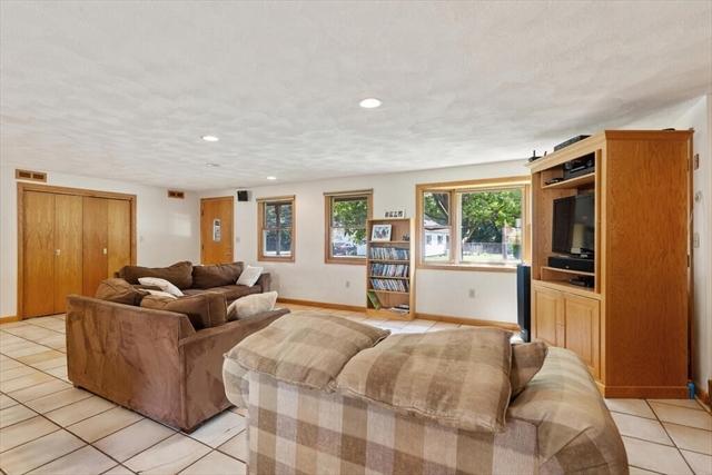 15 Whittier Road Wakefield MA 01880