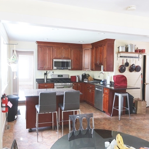 28 Rockland Avenue Brockton MA 02301