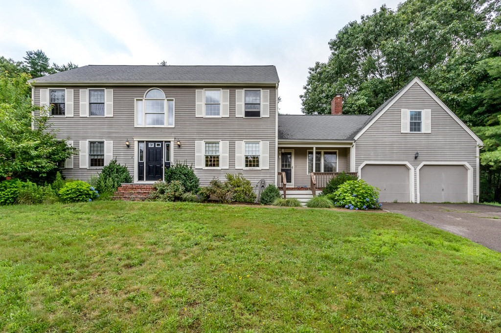 14 Green Acres Dr, Mansfield, MA 02048