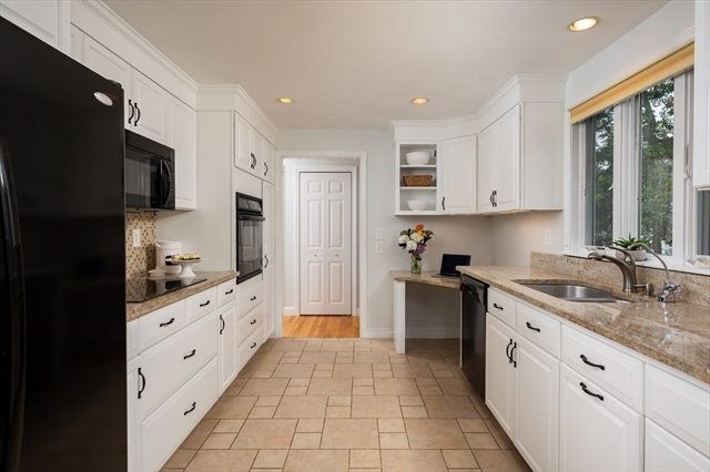 42 Colonial Road Hingham MA 02043