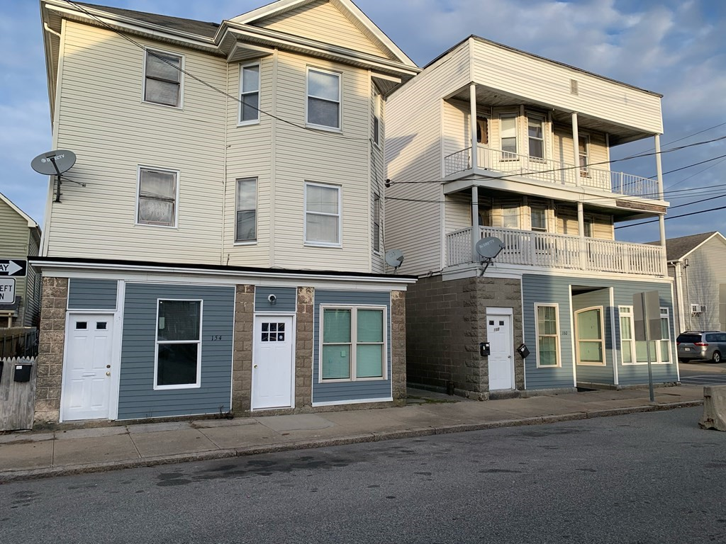 NEWLY UPDATED 3 BEDNEROOM, 1 BATH SECOND FLOOR CONDOMINIUM WITH GRANITE COUNTERTOPS, 2 GAS HEATERS AND AN OUTDOOR BALCONY. ACCESSABLE TO ROUTE 24, ROUTE 195, ROUTE 79 AND US 6.