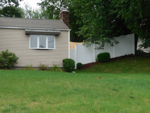 187 Pondview Drive Chicopee MA 01020