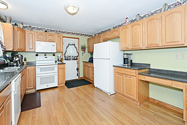 65 Washington Road Brimfield MA 01010