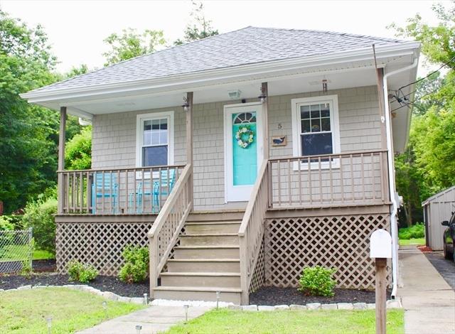 5 Fairlawn Avenue Fairhaven MA 02719