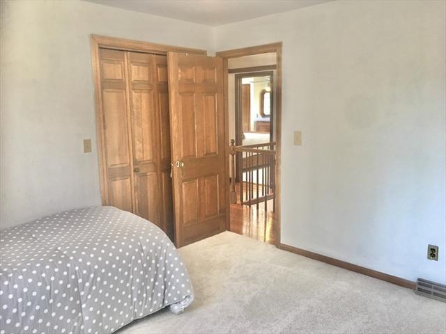 63 Pinewood Hills Longmeadow MA 01106