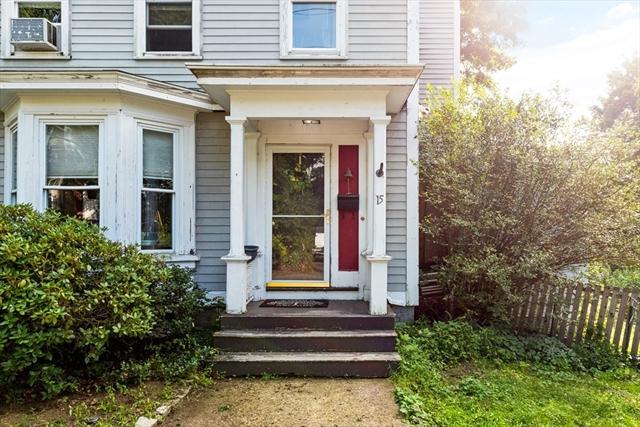 15 Chestnut Street Groveland MA 01834