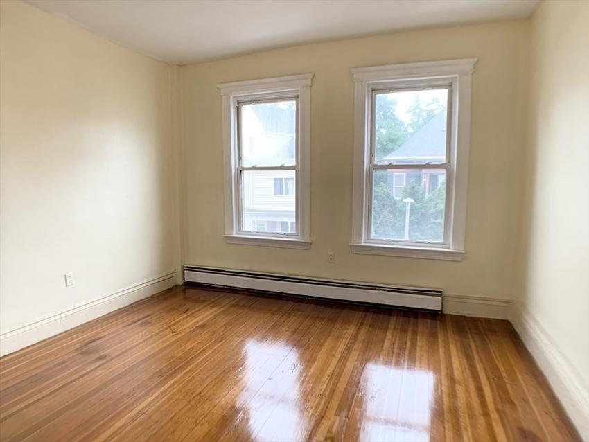 129 Harrishof St, Boston, MA Image 11