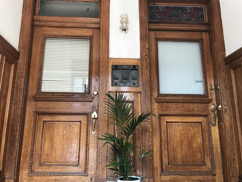 129 Harrishof St, Boston, MA Image 3