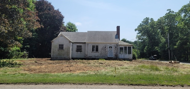 28 Clear Pond Road Lakeville MA 02347