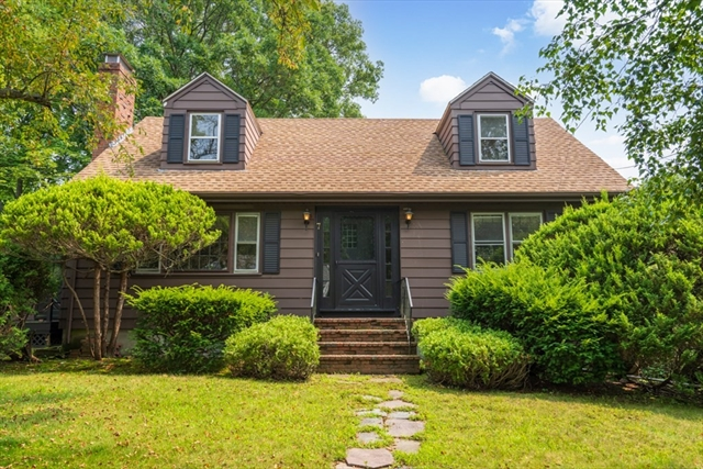 7 Colonial Road Beverly MA 01915