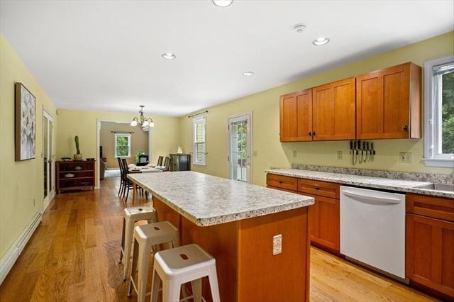 16 Oak Street Dunstable MA 01827