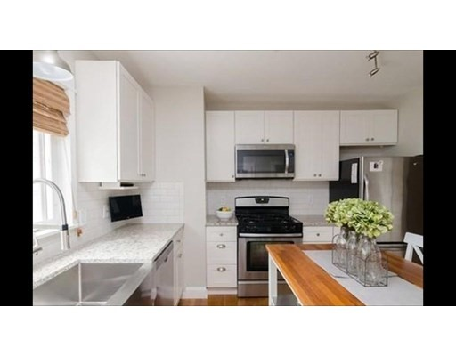 154 Palmer St, Quincy, MA 02169