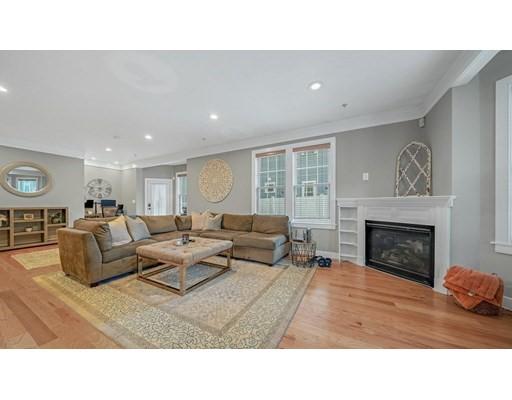96 Neponset Ave Unit 2, Boston - Dorchester, MA 02122