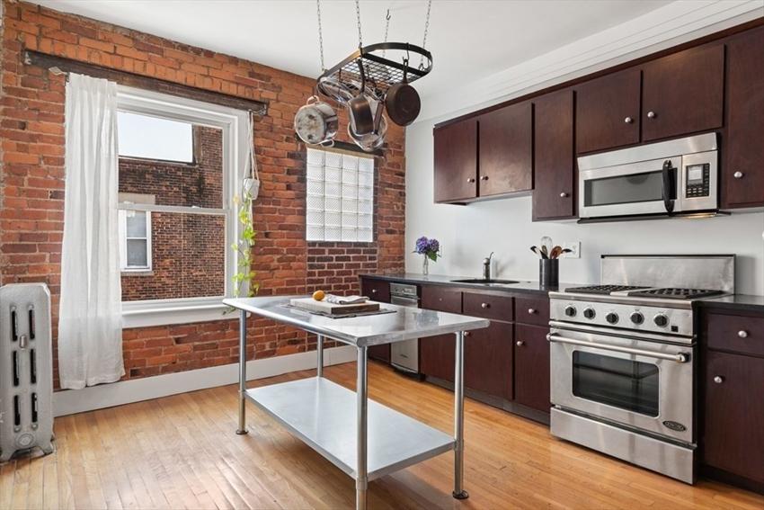 380 Riverway, Boston, MA Image 2