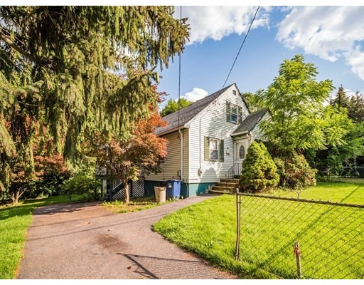 3 Beds, 2 Baths home in Boston for $499,990