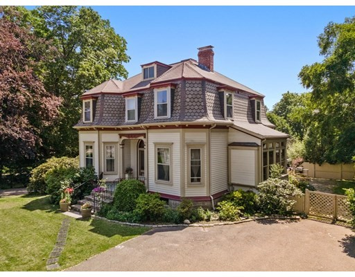 5 Beds, 3 Baths home in Boston for $1,875,000