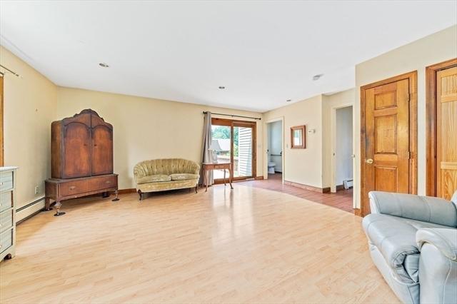 935 Metropolitan Avenue Boston MA 02136