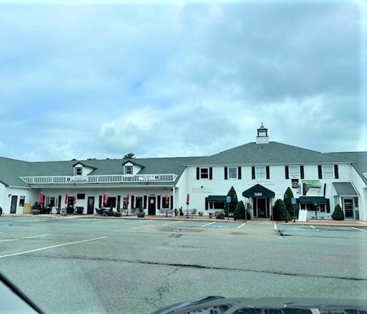 GREAT RENTAL OPPORTUNITY FOR YOUR BUSINESS THAT INCLUDES A DRIVE UP WINDOW.  Limitless opportunities with several private spaces.  Looking for a minimum of a 3 year lease.  Call me for more information.