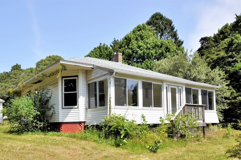 61 Old Stage Rd, Barnstable, MA 02632