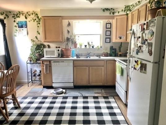 36 Colrain St, Greenfield, MA: $262,600
