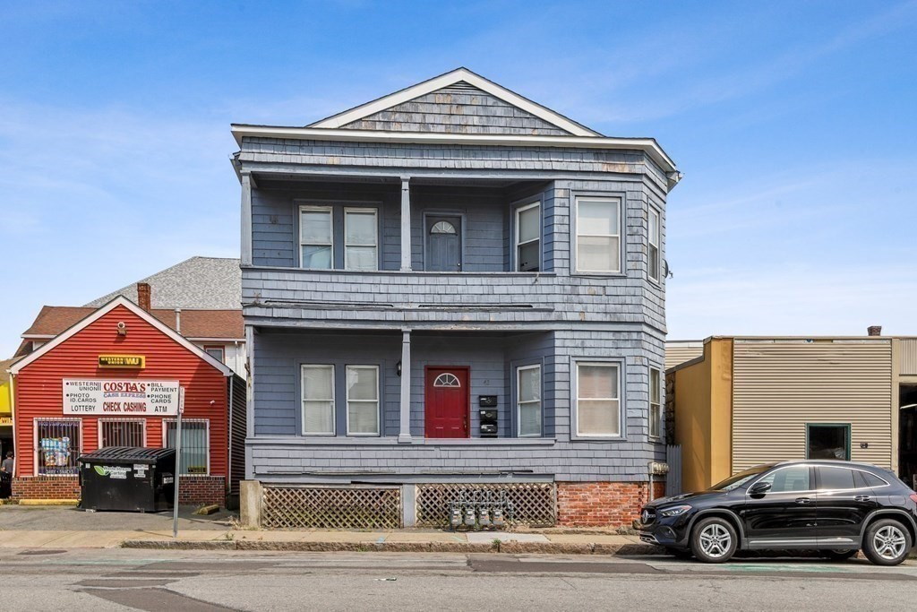 This multi-family is a great investment opportunity for an owner/occupant. Legal 4 units w/ lead certificates! Each unit has 2 bedrooms and 1 bathroom. This property is a must-see.
