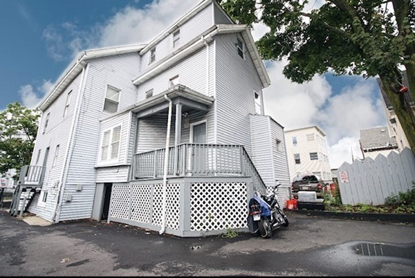 72 Washington Street Lynn MA 01902