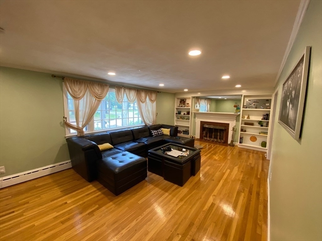 8 Carriage Hill Road Andover MA 01810