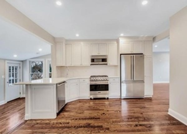 31 Oak St, Wellesley, MA, 02482,  Home For Sale