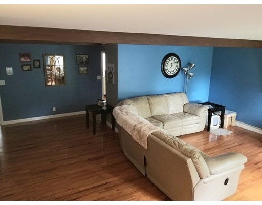 4 Longwood Dr, Andover, MA 01810