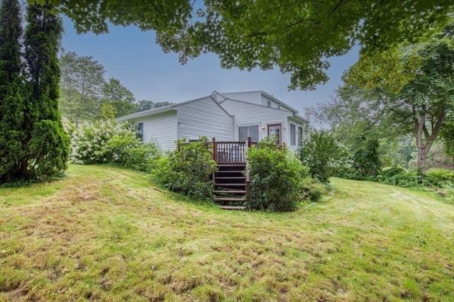 37 Old Farm Road Westfield MA 1085