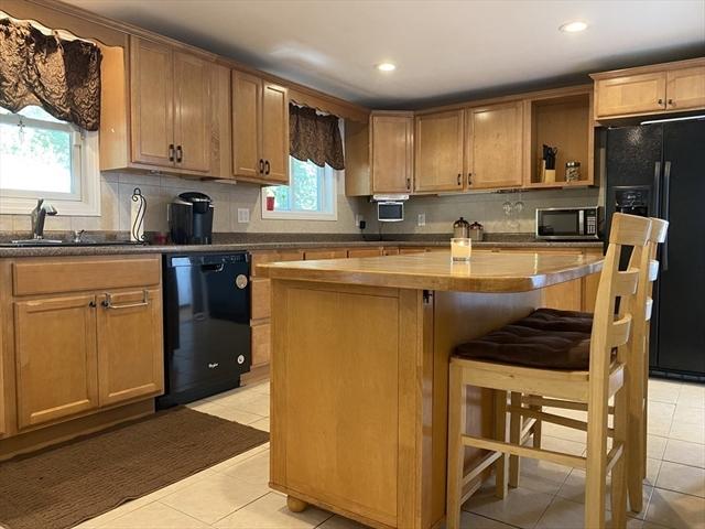 88 Glenway Avenue Peabody MA 01960