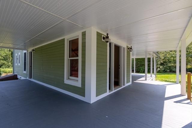 271 Howe Street East Brookfield MA 01515