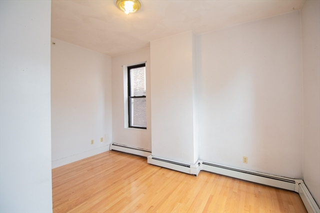 10 Davis Avenue Brookline MA 02445