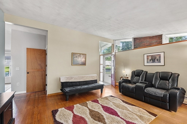 25 Maple Street Hudson MA 1749